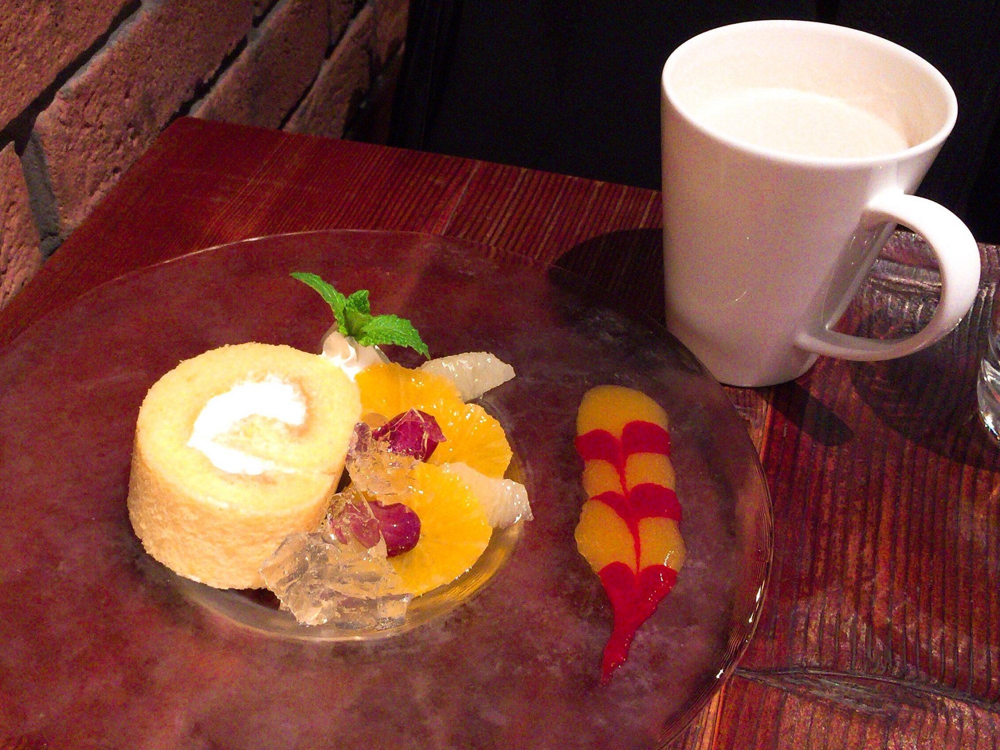 自由が丘の電源カフェ[ブルーブックス・カフェ]でチャイ(約200kcal)を飲みながら仕事がはかどりました