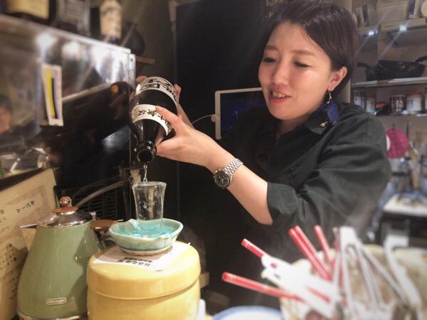 五反田の小料理バー「きになる嫁 デラックス」で楽しい3次会を|女将さんのスイッチが入るとスゴいです