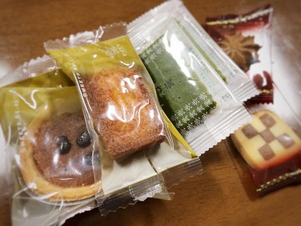 医局にお菓子がおいてあるので,当直待機中についつい食べてしまう1日|糖尿病内科医のフリースタイルリブレ自己血糖記録