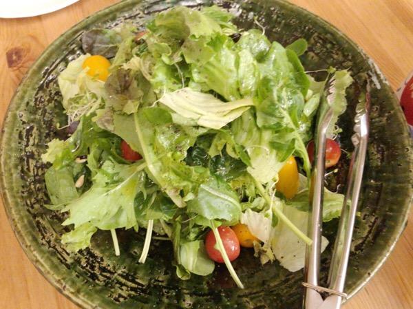 横浜での打ち合わせで,ランチ,プラム,有機野菜サラダをごちそうになり間食もたくさんした1日|糖尿病内科医のフリースタイルリブレ自己血糖記録