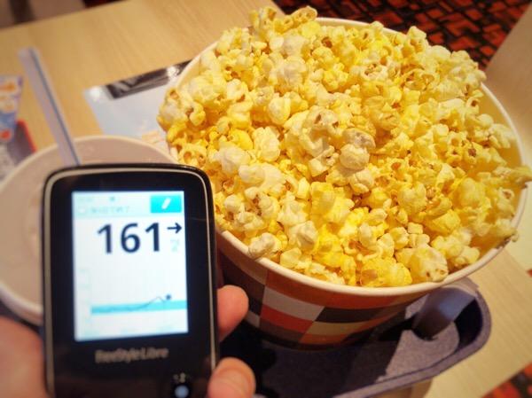 夏休み最終日の予定をキャンセルし,妻とゆっくり映画鑑賞した1日|糖尿病内科医のフリースタイルリブレ自己血糖記録