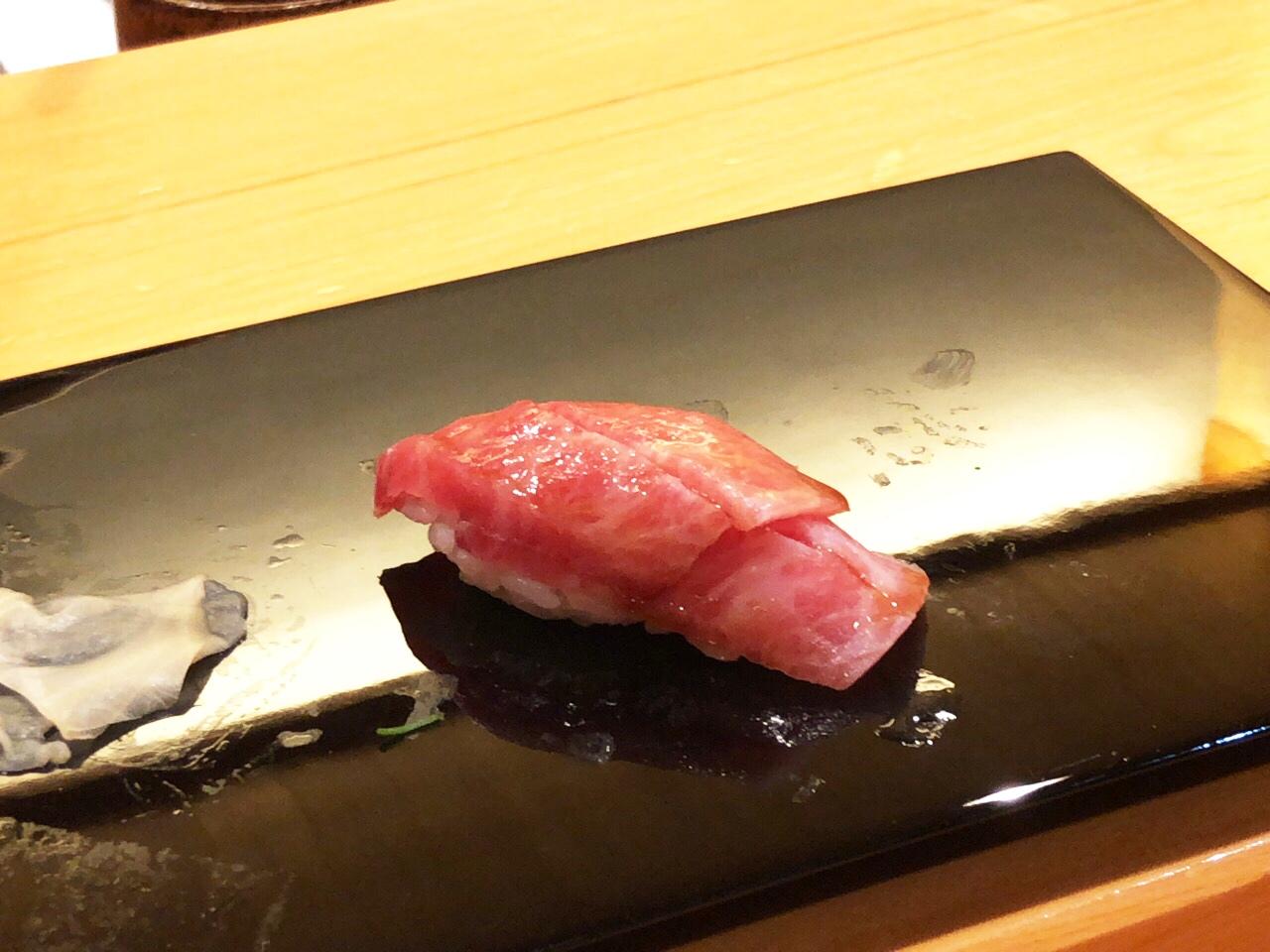 朝昼ほぼほぼ横ばいの血糖値から,夜のお寿司で血糖値上げて美味しく終えた1日|糖尿病内科医のフリースタイルリブレ自己血糖記録